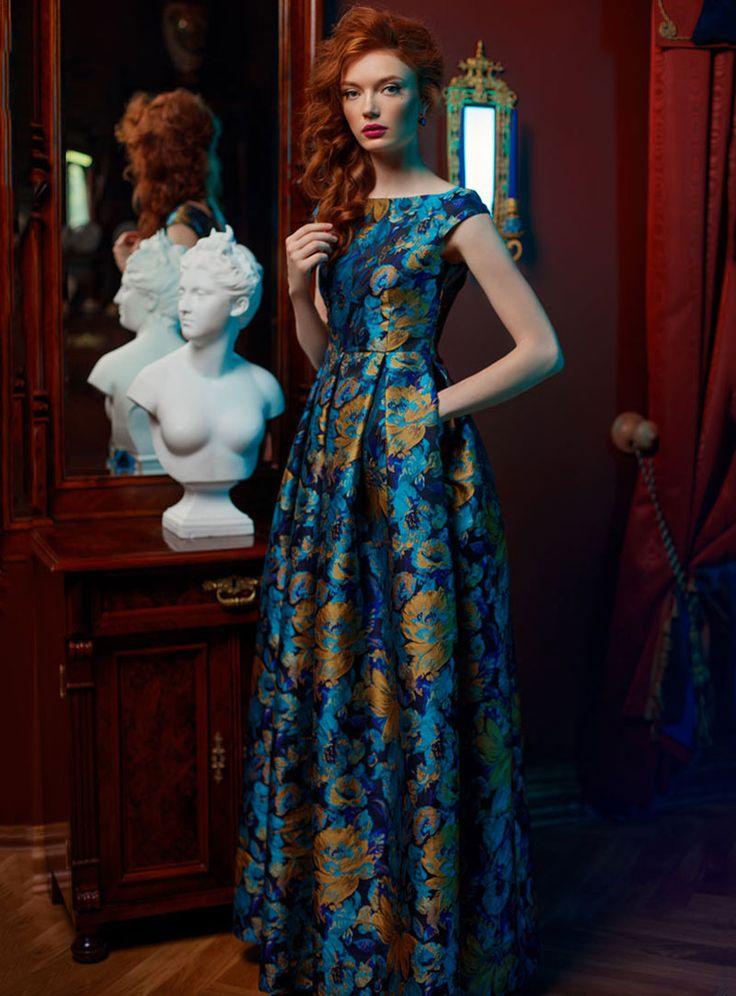 Длинное синее платье с цветами | Long blue dress with flowers