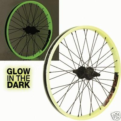 Una nueva idea para los amantes de las bicicletas. Con nuestros materiales puede transformar la bici común en una muy original. Ideal innovadora para los BMXers, que además de una vista original, brinda mas seguridad, ya que la bicicleta se vera a varios metros de distancia.  www.acmelight.la