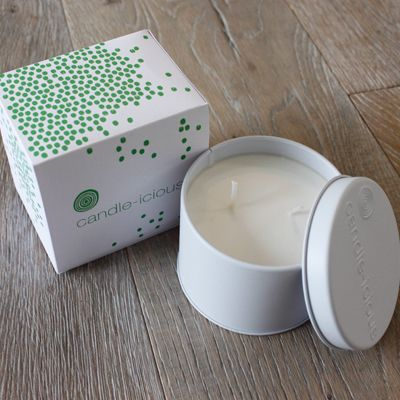 candle-icious! fragranced with hints of ylang ylang, lavender, orange, geranium, patchouli and bergamot, it will slow burn for 30 blissful hours