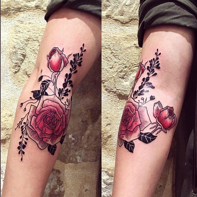 3 roses for Delphine   done at @lesmauxbleus #tattoo #fineline #fineliner #fineliner #tats #tattooparis #paris #ink #inked #instaink #inkedlife #instagram #bw #blackwork #blackworkers #blackandwhite #blackworktattoo #instatattoo #instainked  #tatouee #tatouage #flowertattoo #lemarais #flowers  #rose #rosestattoo #roses