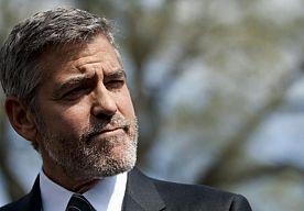 8-Mar-2013 18:33 - 'GEORGE CLOONEY BINNENKORT WEER VRIJGEZEL'. George Clooney gaat binnen afzienbare tijd weer door het leven als single. De dagen van zijn relatie met de achttien jaar jongere Stacy Keibler zijn geteld.
