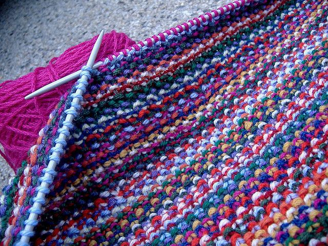 Knitting Zipper Tutorial : Easy knit cushion cover stash buster with zipper