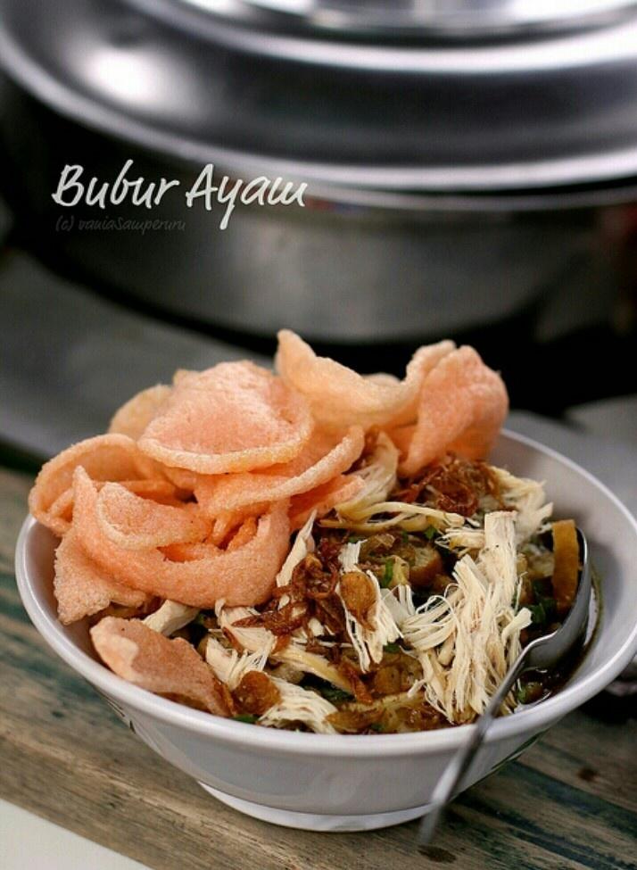 Bubur ayam - chicken porridge.. oh my..!!! i really wanna eat this now..!!!!