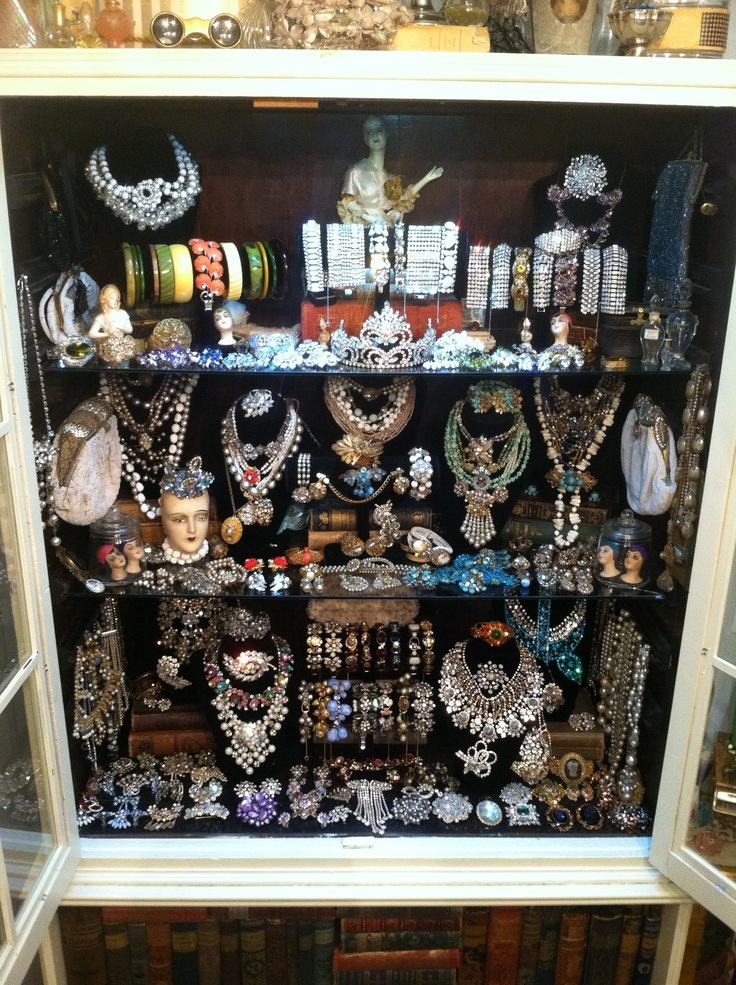 17 best images about vendors booth ideas on pinterest for Craft show jewelry display