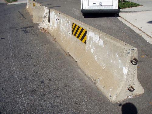 Imagini pentru Jersey barrier