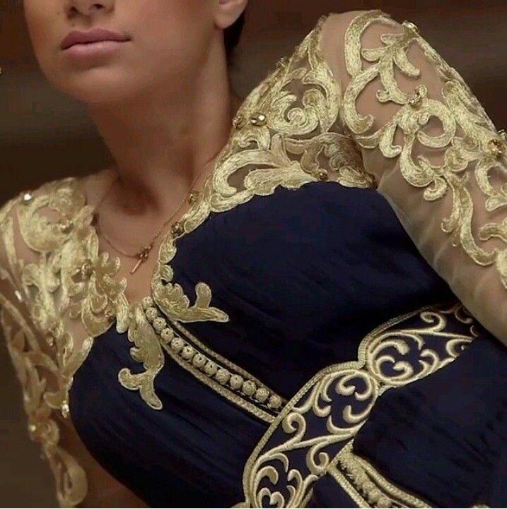 Caftan marocain moderne brodé.