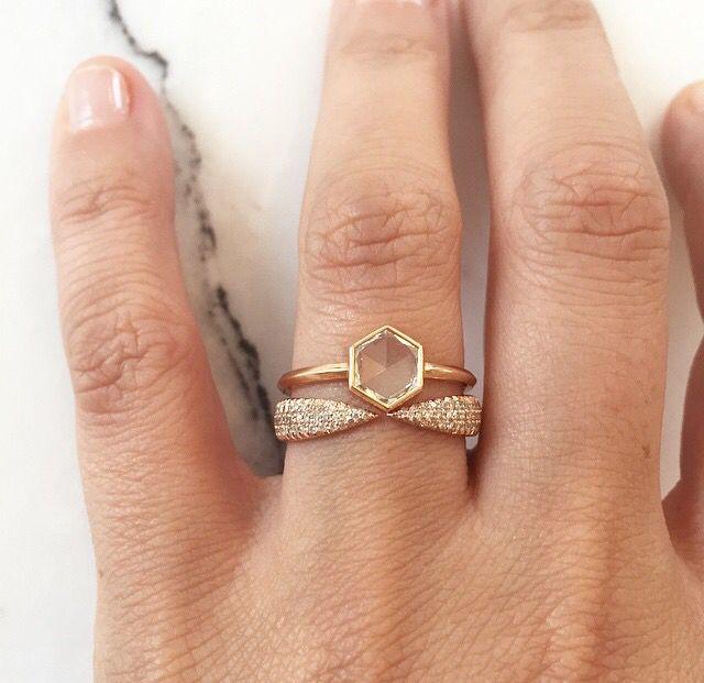 Stone ring.  Eva Fehren. LOVE!
