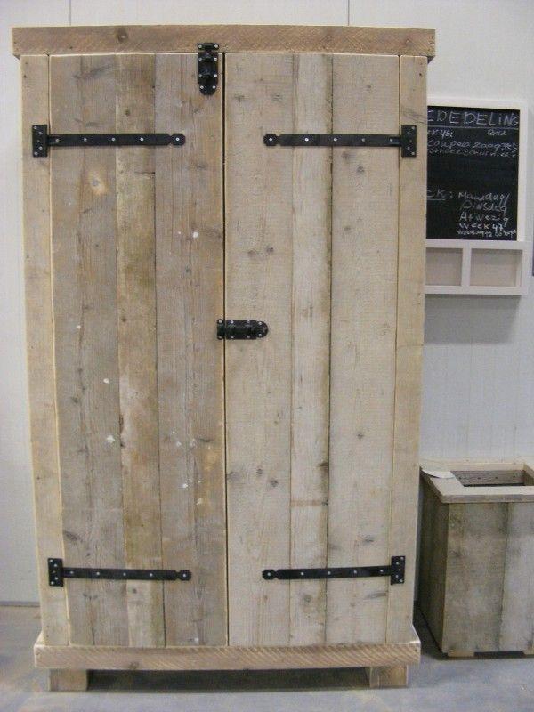 Kledingkast Steigerhout met 6 schappen en 2 hang gedeeltes (1260120300KM6) | Kledingkasten van steigerhout | JORG`S Houten Meubelen