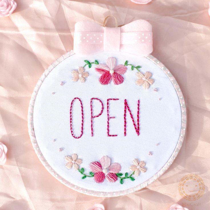 Open sign_hoop floral embrodery  Visit IG :@mikicraft