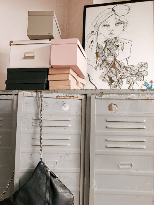 locker system + pretty colors = tough chicColors Combos, Elle Decor, Storage Boxes, Interiors, Pastel Pink, Colors Palettes, Colors Schemes, Design, Closets Spaces