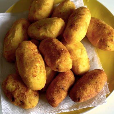 Delicioso bolinho de batata, crocante por fora e bem fofinho por dentro!