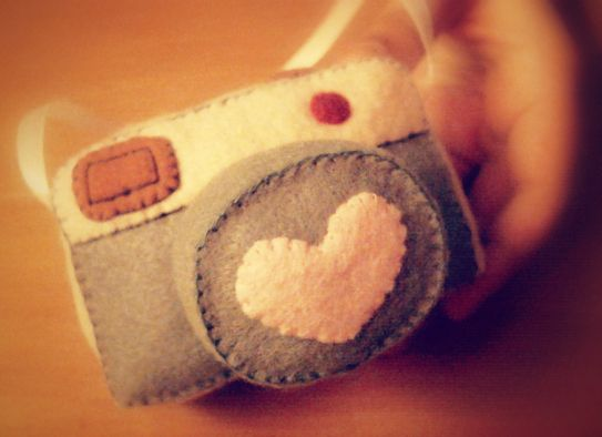 How To Make A Camera Plushie (DIY Note Holder) | Hapy Friends Shoppe
