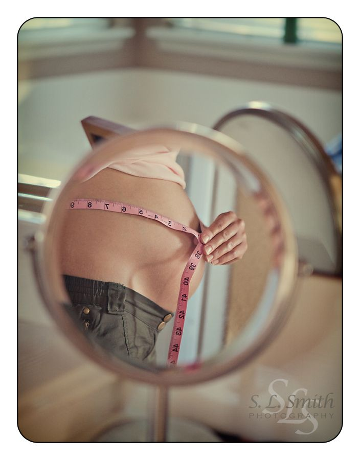 beautiful belly.  Loved this maternity shoot