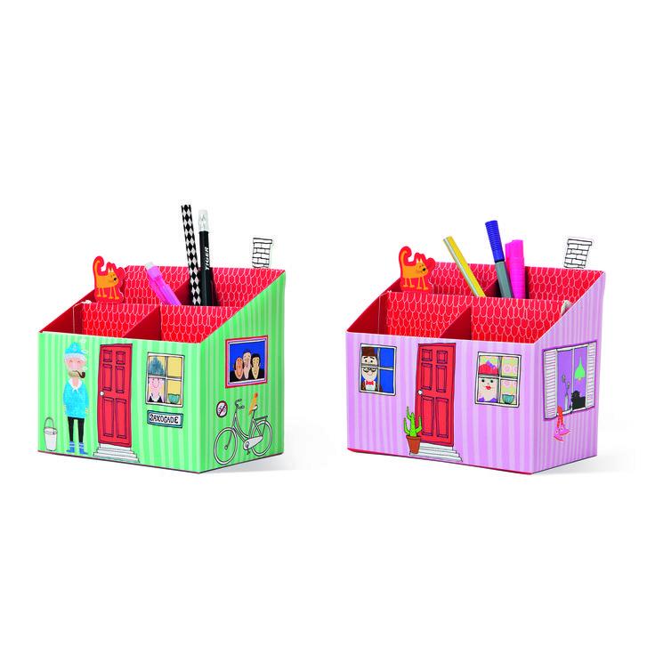 Przybornik w kształcie domku. #nowosci #tigerpolska #tigerstore #dom #domek #house #home #wakacje #holiday #summer #summertime #lato #tigerdesign #tgrdesign #design #szkoła #school #backtoschool #kit #przybornik #news