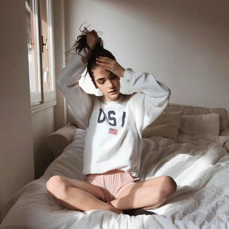 103.3 тыс. отметок «Нравится», 101 комментариев — Brandy Melville (@brandymelvilleusa) в Instagram: «#brandyusa Erica USA Sweatshirt & Lisette Velvet Shorts»