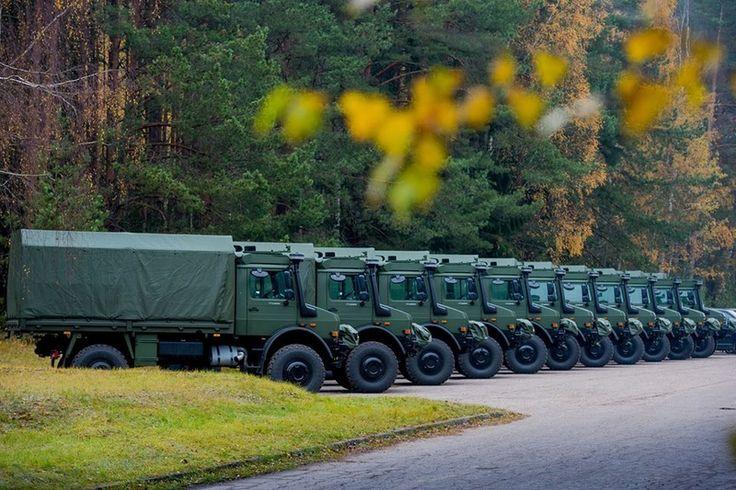 Le 27 octobre le fabricant allemand  Daimler AG, a livré les 21 premiers camions Unimog U5000 sur un total de 340.