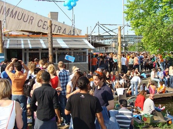 Best Bars In Amsterdam | Prepare to kick back at the end of the day with a list of the best bars in Amsterdam. A full day of sightseeing and activities in the capital can tiring work. #BestBarsInAmsterdam #BarsInAmsterdam #AmsterdamBars #Amsterdam