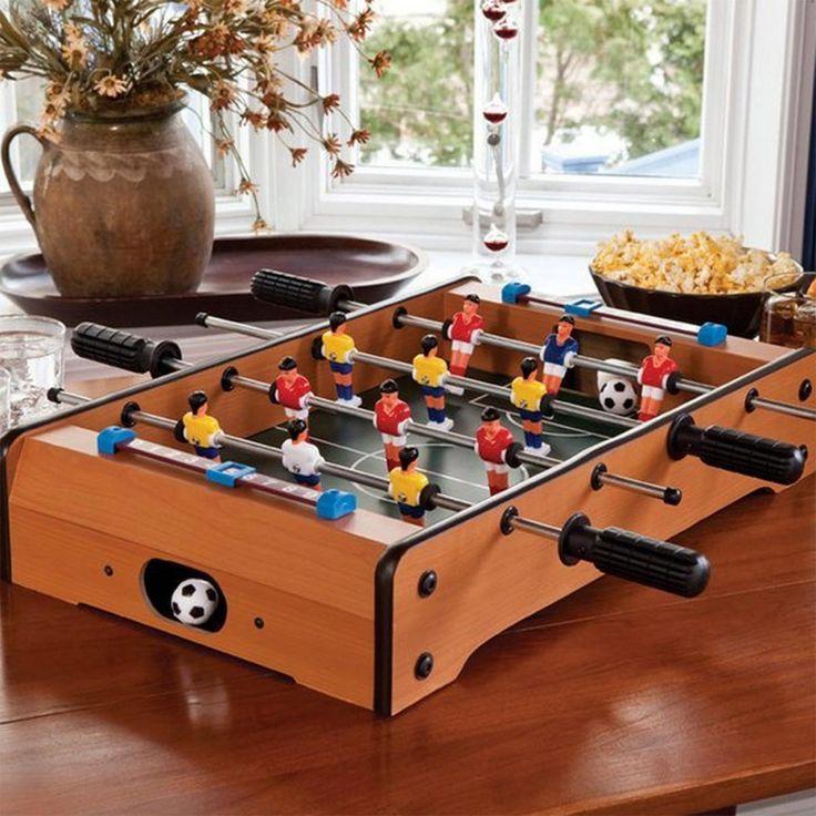 Der Tischkicker gehört einfach in jeden guten Männerhaushalt! Mit dem Tischkicker wird Fußball jetzt wieder von der sitzenden zur stehenden Tätigekeit.