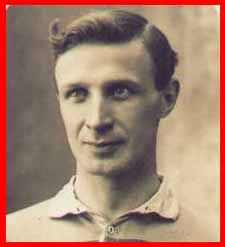 #rugby history Died today 20/12 in 1960 : Harry Uzzell (Wales) played v England three times :  1912 - England won 8-0 in Twickenham  ... 1914 - England won 10-9 in Twickenham ... 1920 - Wales won 19-5 in Swansea