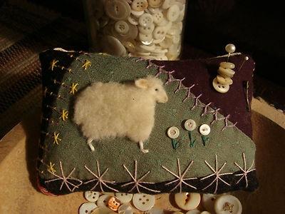 Antique Quilt Sheep Pinkeep