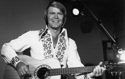 Легенда кантри-музыки Глен Кемпбелл (Glen Campbell) похоронен в родном городе в штате Арканзас, на частной похоронной церемонии. Он умер во вторник 8 августа и похоронен уже через день после смерти. 81-летний музыкант продолжительное время боролся с болезнью Альцгеймер�