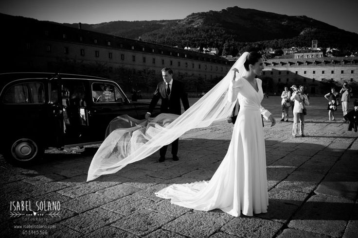 #coches #novios #fotos boda #novia #blanco y negro #velo