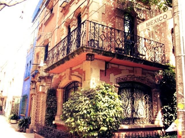 Mexican decor: Old house in Colonia Condesa, Mexico City