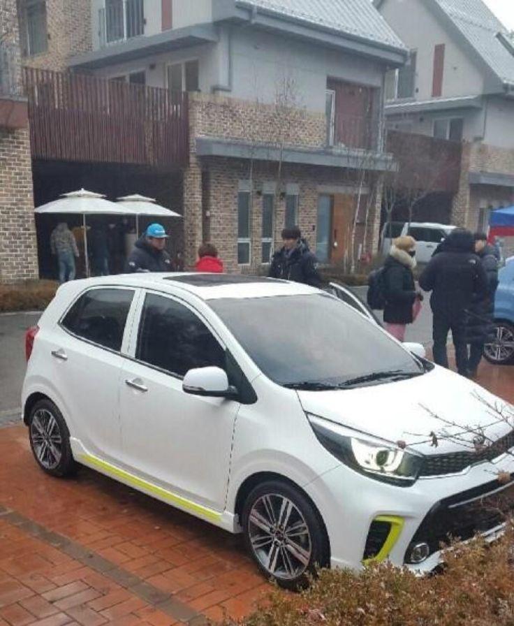 2017 Kia Picanto's exterior fully exposed in South Korea