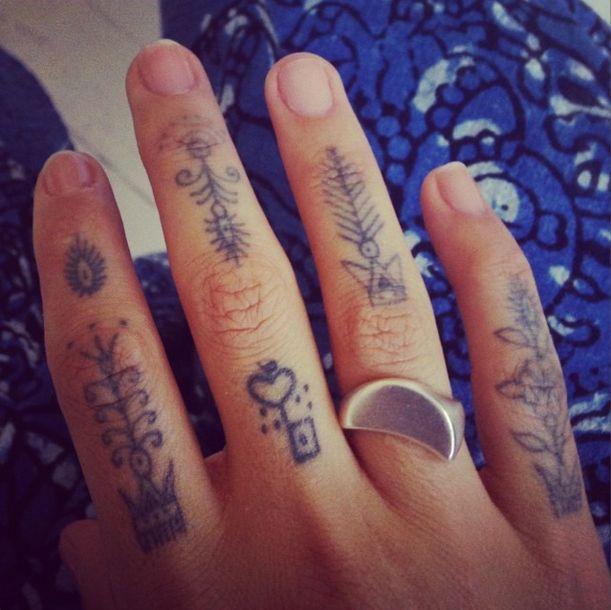 264 best images on pinterest tattoo ideas finger tats and finger tattoos. Black Bedroom Furniture Sets. Home Design Ideas