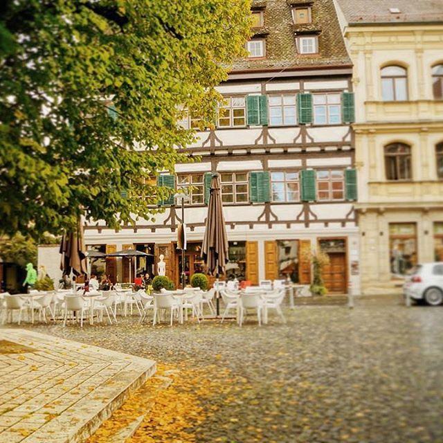 Happy 1st day of autumn Ulm!  #exploringUlm  #ulm #judenhof #herbst #herbst2015 #herbstlich #schoenentag #feierabend #happyfirstdayoffall #firstdayoffall #architecture #fallishere #street #streetgram #passionpassport #ulm125 #herbst2015 #herbst2015inUlm #igersulm_official