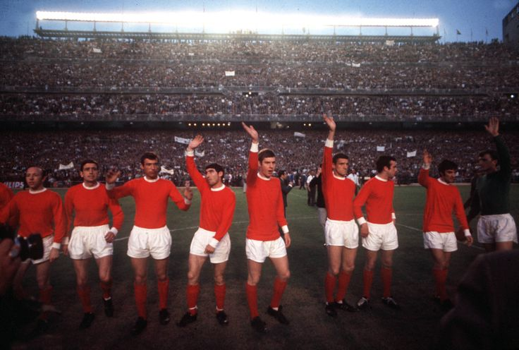 @manutd line up prior to the 1968 European Cup semi-final against Real Madrid.