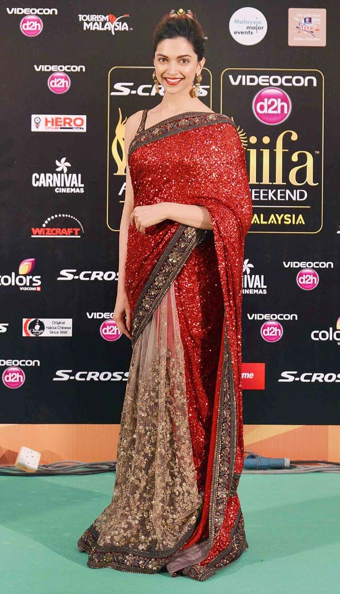 Deepika Padukone at the green carpet of #IIFAAwards2015 in Malaysia.
