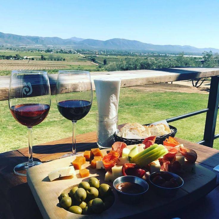 Valle de Guadalupe es uno de los destinos más románticos y relajantes en #BajaCalifornia ¡Ven y conócelo! #Ensenada #ValleDeGuadalupe #Vino #Wine #Relax #México #DescubreBC #DiscoverBaja #EnjoyBaja #DisfrutaBC #Friends #Amigos #Romantic #Baja Aventura por ax2_worldtraveller