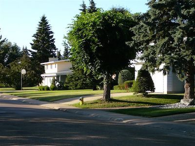 Learn more about the lovely community of Laurier Heights in Edmonton!