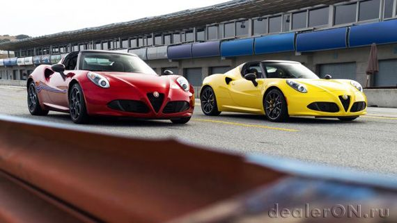 Кабрио Alfa Romeo 4C Spider / Альфа Ромео 4С Спайдер 2015 на треке