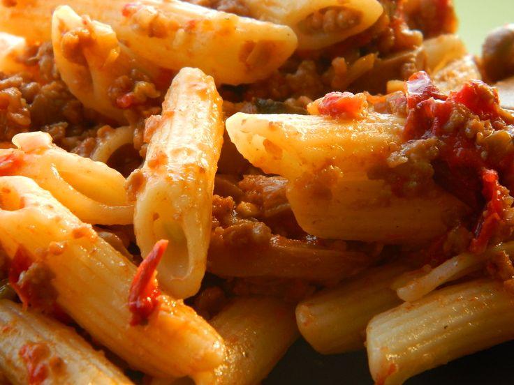 A tészta íze nagyon különleges, a husi pedig egyszerűen mámorító. Egy fárasztó nap után nincs is finomabb vacsi! Hozzávalók: 1 csomag tészta 70 dkg darált[...]