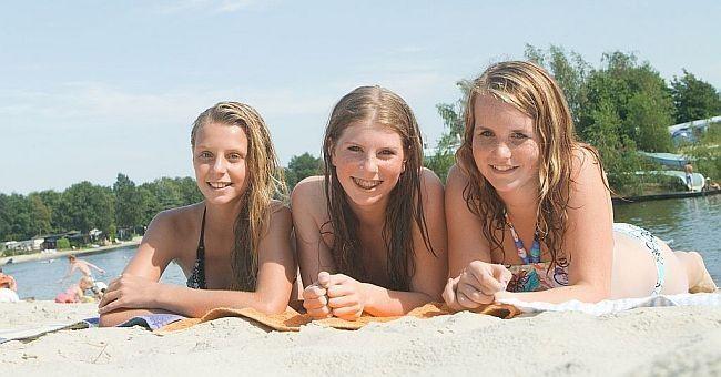 Tienercamping Nederland - Genieten op het strand!
