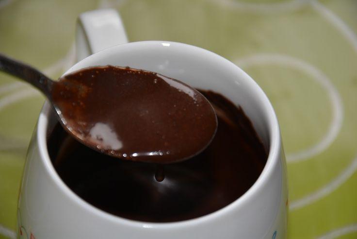 De ce e bine să bei apă cu cacao? Din mai multe motive. Să începem cu proprietățile pe care le are cacaoa: este o sursă bogată de antioxi...