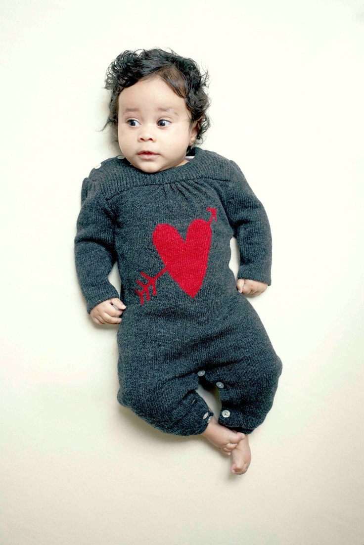 So-Adorable-heart-logo-knitted-all-in-one-from-Little-Duckling-for-winter-20131.jpg (830×1243)