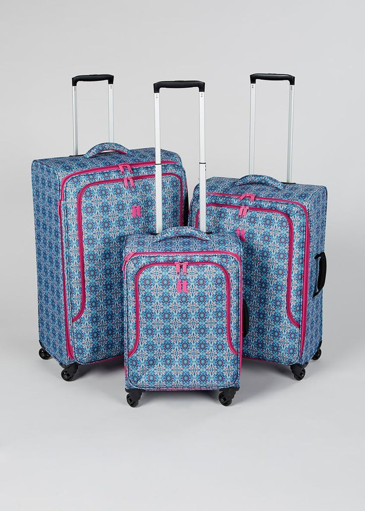 IT Luggage TRUE-LITE 4 Wheel Suitcase