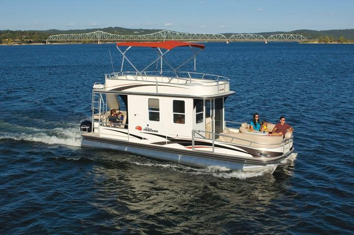 Love being on a boat i would love to have one like this for Party boat fishing