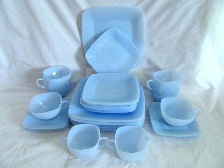 Anchor Hocking Charm Blue Azurite 32 piece set for 8 Dinnerware