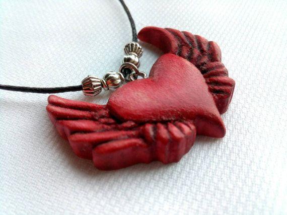 Heart Pendant Heart Necklace Heart Wings Jewelry Wood di Woodzard #woodcarving #handmade #etsy #etsystore #jewelry #necklace #pendant #love #heart #wings