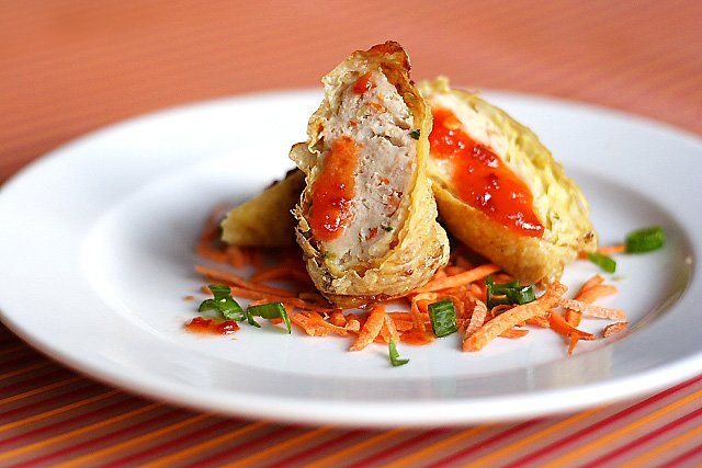 Minced Chicken and Pork Rolls - meaty and savory bites pork & chicken wrapped in bean curd skin and deep-fried to perfection. #pork #chickenPork Recipes, Pork Rolls Jijuan, Mince Chicken, Rolls Jijuan Recipe, Pork Rolls Superbowl, Pork Rolls Servings, Pork Chicken, Chinese Food Recipes, Recipe 鸡卷