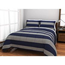 T's bedroom : comforter