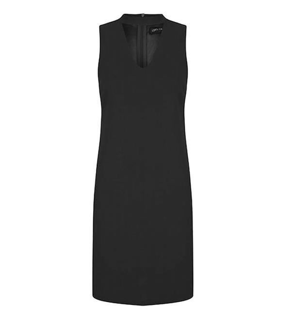 Lofty Manner uni jurk model Naomie. Deze mouwloze jurk is voorzien van een opengewerkt detail bij de hals en heeft een ritssluiting aan de achterzijde.