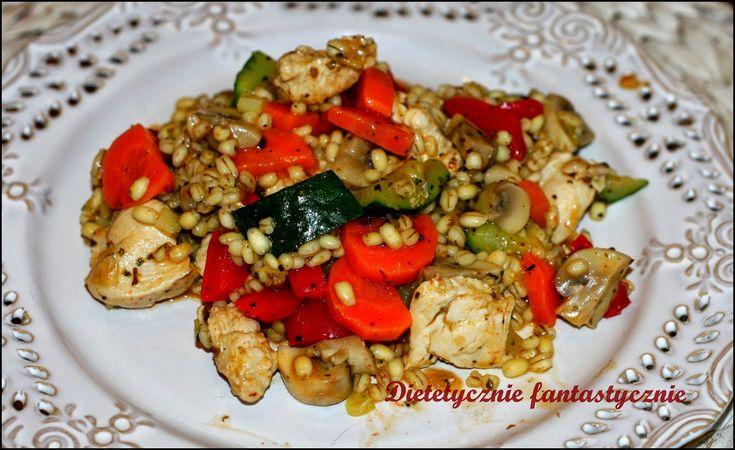 dietetycznie fantastycznie: Pierś z kurczaka z kaszą pęczak i warzywami