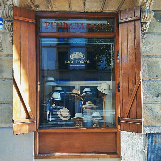 Tiendas donostiarras en las que hay que entrar... ¡Para un veranito estiloso! #pequeñocomerciodonostia #casaponsol #igersdonostia