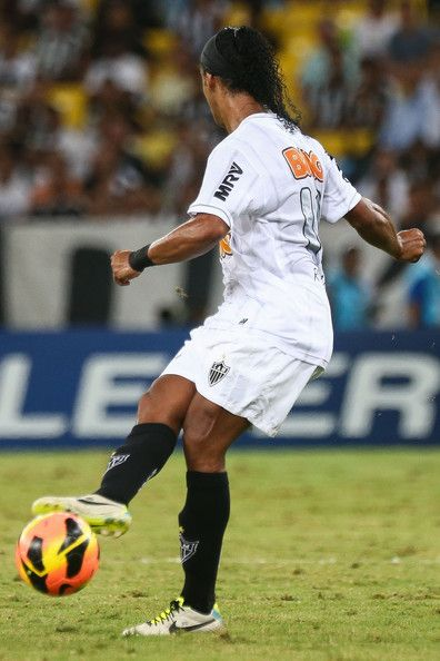 Ronaldinho Gaucho Photos: Fluminense v Goias
