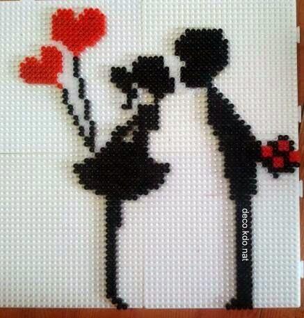 Valentine's Day hama perler beads by Deco.Kdo.Nat http://www.pinterest.com/creactivites/hama/
